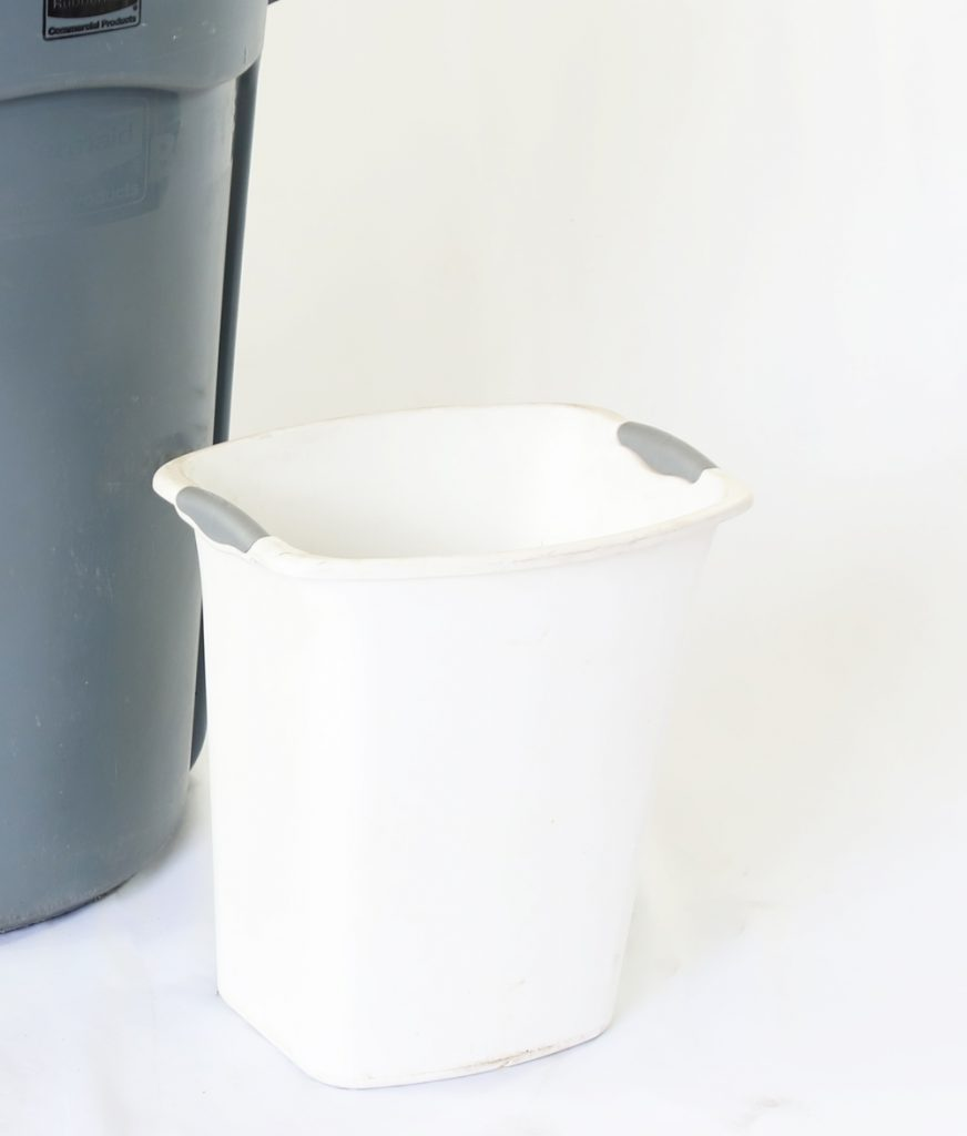Small Wastebasket w_Liner